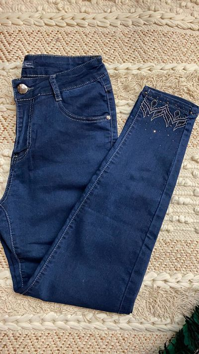 jean brut avec strass aux chevilles - jean-strass