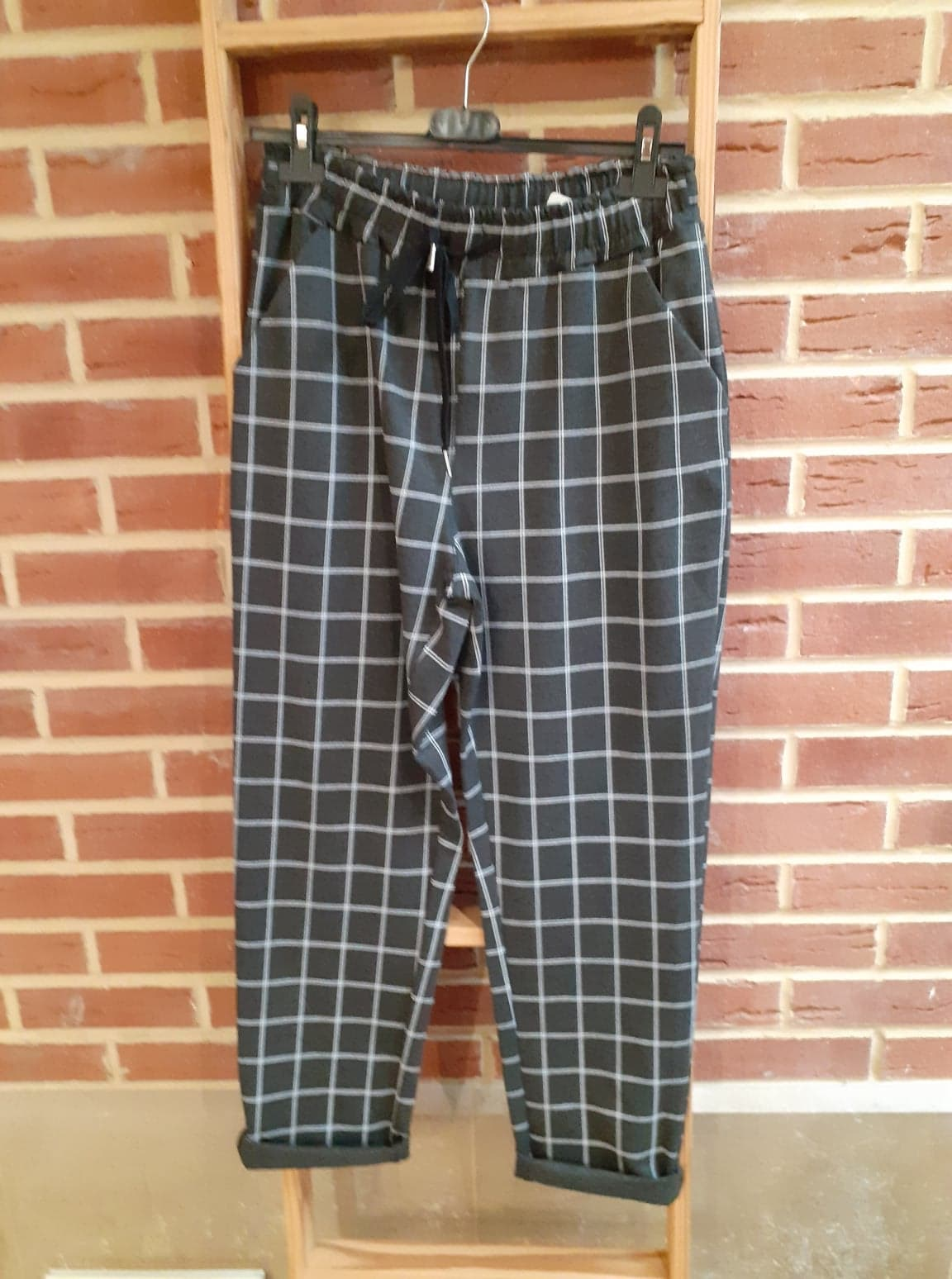 pantalon gris carreau blanc - pan-gri-car-bla